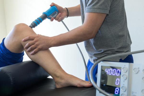 Hatékony lökéshullám-terápia a fájdalom megszüntetéséért